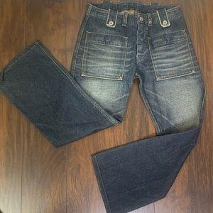 Woman Diesel  cropped jeans.
